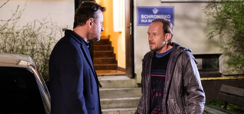 """""""Na Wspólnej"""" odcinek 3306. Ryszka twierdzi, że Krzysztof dostał anonim od... zmarłego! Komu podpadł Smolny?"""