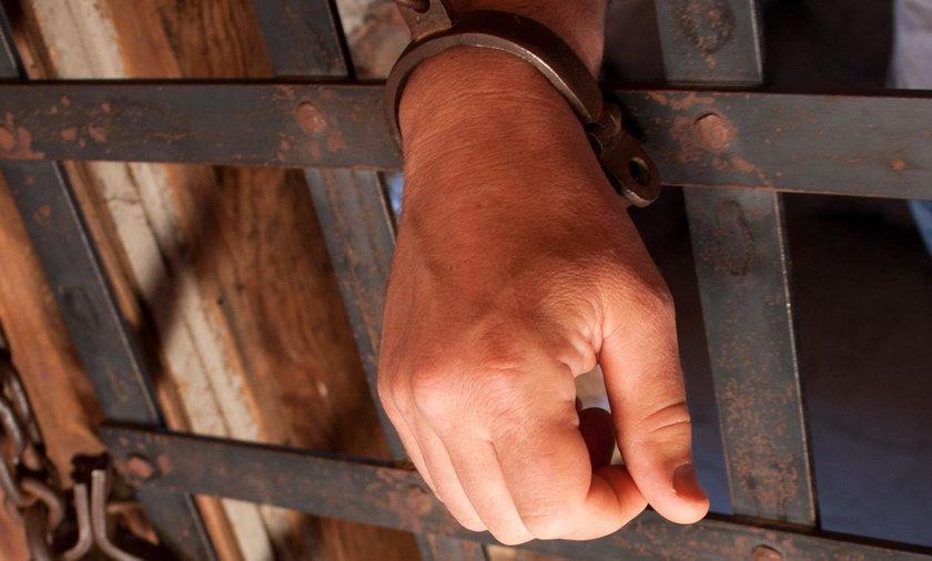 """""""Byliśmy w kropce, nie wiedzieliśmy, gdzie się zgłosić"""". Polacy ofiarami współczesnego niewolnictwa"""