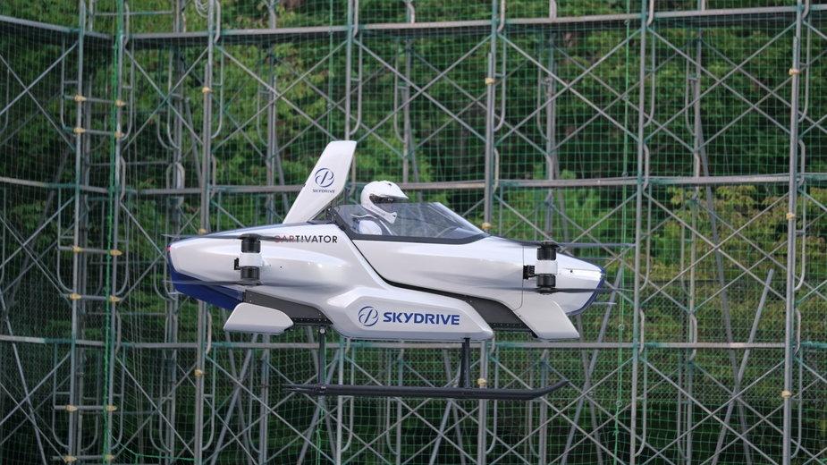 W Japonii wykonano pierwszy udany przelot latającego samochodu