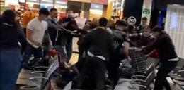 Wielka burda na lotnisku pod Londynem. 4 osoby ranne, 17 zatrzymanych