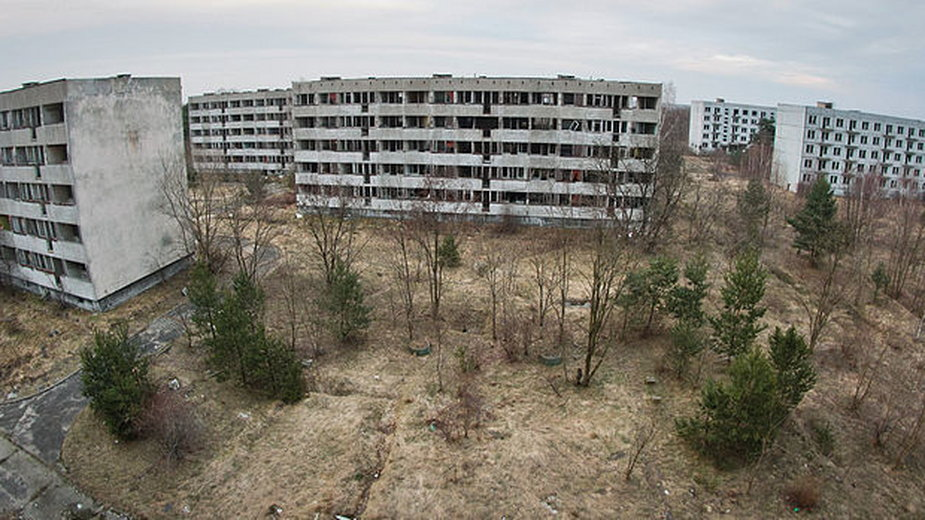 Opuszczone bloki mieszkalne w Pstrążu