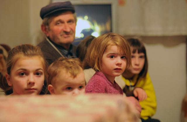 Za osmoro braće i sestara Đokić roditelji nekad ne mogu da plate ni lečenje