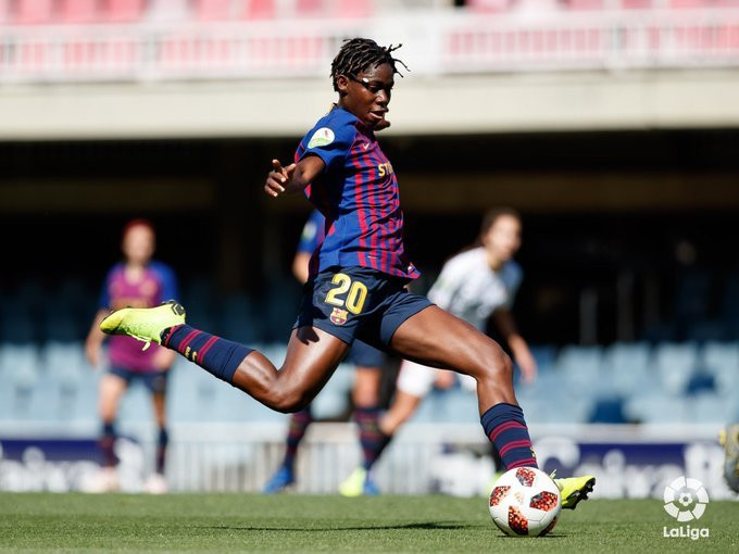 Asisat Oshoala will play for Barcelona until June 2022 (La Liga)