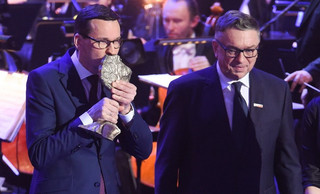 Morawiecki: Wszyscy ministrowie zwrócili nagrody, temat zamknięty
