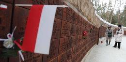 Skandal na cmentarzu w Katyniu. Zobacz, co zrobili Rosjanie!