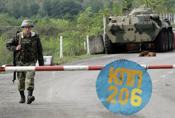 Ruski vojnik na graničnom prelazu s Abhazijom u Hurči