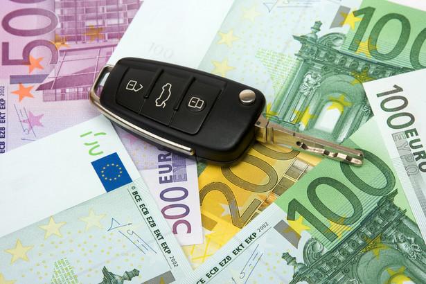 W drugim kwartale br. wydatki Polaków z tytułu wyjazdów zagranicznych wyniosły 1 mld 669 mln euro, a cudzoziemcy przyjeżdżający do Polski wydali 2 mld 261 mln euro.