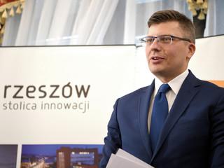 Prezydent Rzeszowa złożył rezygnację. Zastąpi go Marcin Warchoł?