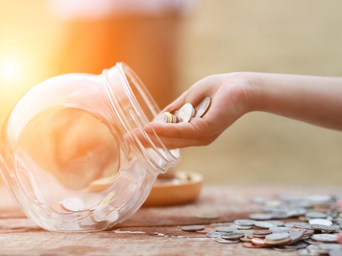 Una štedi za putovanja, Dragana za školovanje dece, Jovana za popravku kuće... A da li vi štedite?