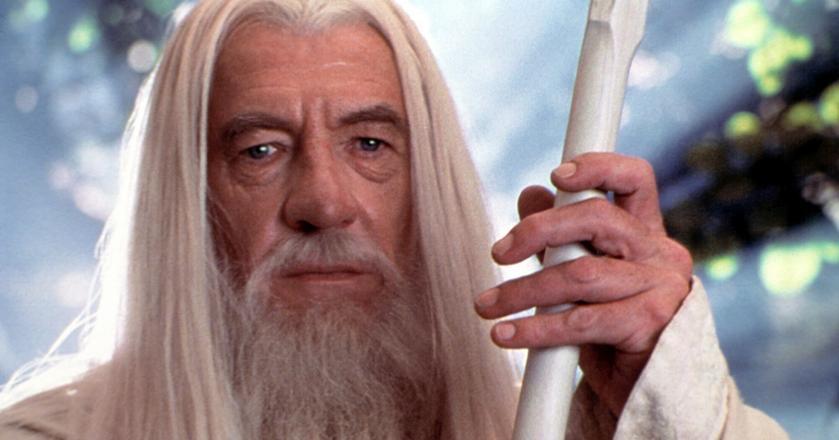 """Powieść """"Władca pierścieni"""" po raz pierwszy zekranizowano w 1978 r. Na zdjęciu Gandalf Biały, bohater filmu """"Drużyna Pierścienia"""" wyreżyserowanego przez Petera Jacksona w 2001 r."""