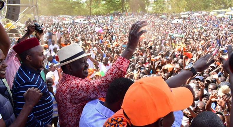 Fiery Jubilee MP from Rift Valley MP makes surprise appearance at Raila's Kibra rally [Photos]