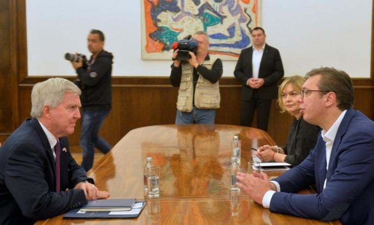 Kajl Skot, Aleksandar Vučić