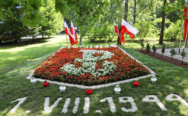 Obchody 74. rocznicy Powstania Warszawskiego potrwają do początku października i zakończy symbolicznie zgaszeniem ognia na Kopcu Powstania Warszawskiego. Cześć i chwała bohaterom!