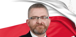 Żenująca przepychanka słowna. Grzegorz Braun kontra marszałek Sejmu. Elżbieta Witek nie wytrzymała, zastosowała najsurowszą z kar! WIDEO