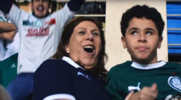 Silvija Greko saopštava sinu da je Palmeiras dao gol