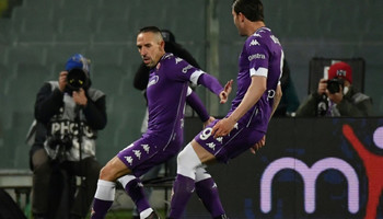 Franck Ribery's (L) Fiorentina are five points above the relegation zone.