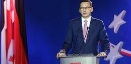 """""""Premier Morawiecki kłamie"""". A może to zanik pamięci?"""