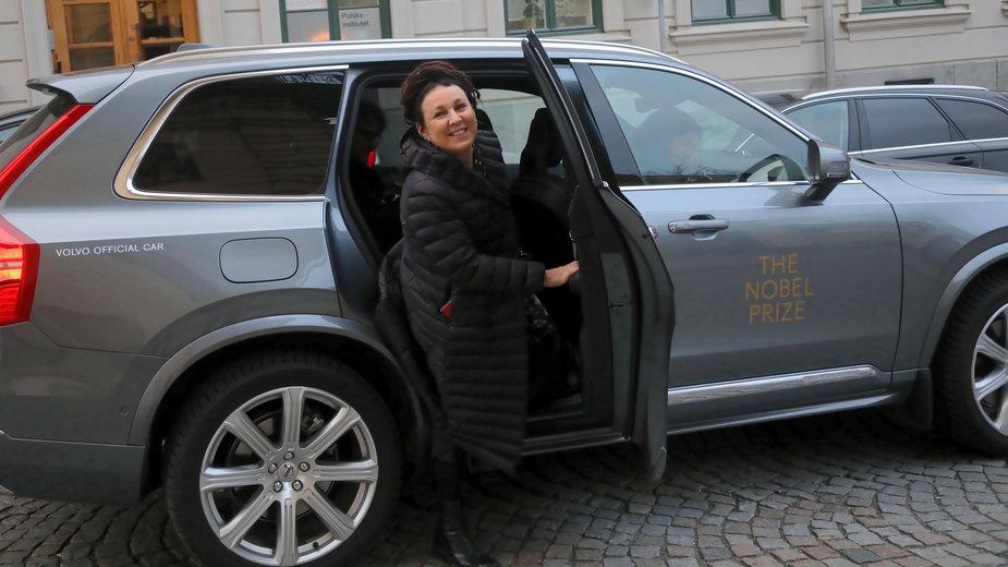 Olga Tokarczuk w drodze do Instytutu Polskiego