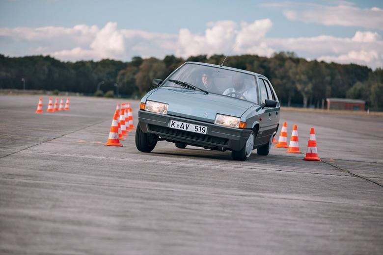 Citroëna BX-a nie sposób pomylić z jakimkolwiek innym samochodem z tamtych lat.