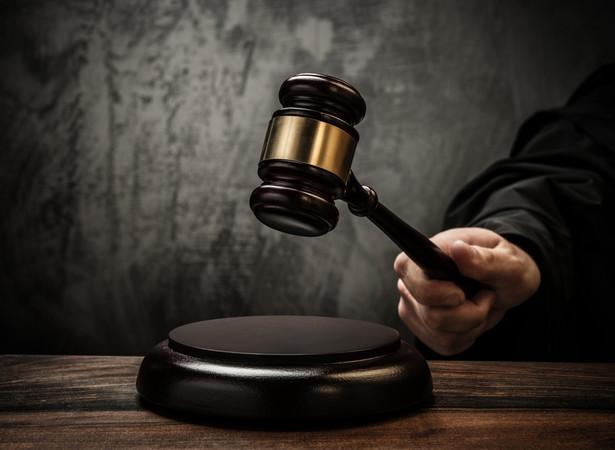 Sędzia nie powinien poszukiwać dróg na skróty, lecz wydać wyrok, w którym w sposób przekonujący wykaże, że faktycznie gruntownie rozważył wszystkie argumenty stron - mówi Aneta Łazarska.