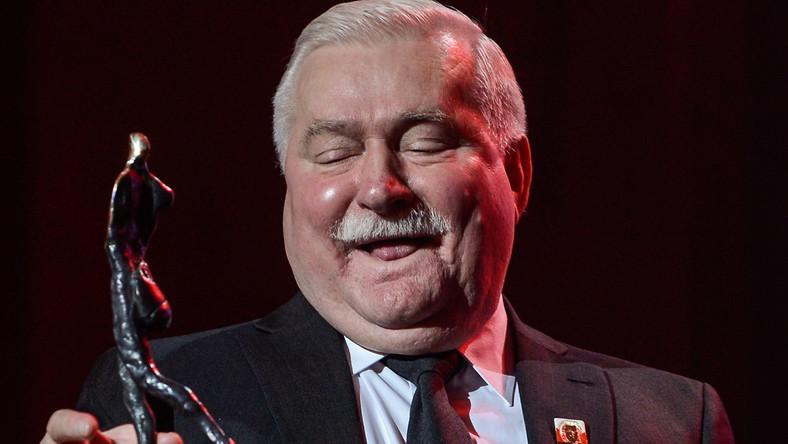 """Byłego prezydenta Lecha Wałęsę wyróżniono za to, że jest on """"człowiekiem-legendą, symbolem demokratycznych przemian w Polsce, symbolem dążenia do wolności dla całego świata, człowiekiem, od którego wszystko się zaczęło""""..."""