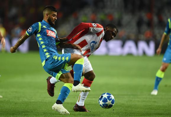 Lorenco Insinje u duelu sa El Fardu Benom u prvom kolu Lige šampiona
