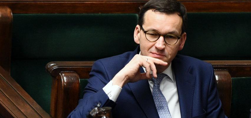 """Puchną wydatki władzy!  Gigantyczne wzrosty kosztów Kancelarii Premiera. Eksperci mówią o """"mgle pocovidowej"""""""
