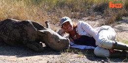 Niezwykła przyjaźń nosorożca i człowieka