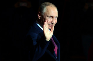 Macierewicz: Putin ma problem z dramatem smoleńskim
