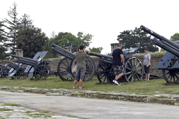 vojni muzej novi