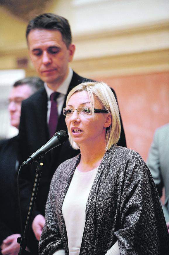 Tatjana Macura (SMS): Kriza zu državi može da se reši ako se iskreno svi uključimo u razgovore