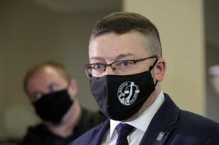 Juszczyszyn chce orzekać,. Nawacki uważa, że powstał spór kompetencyjny