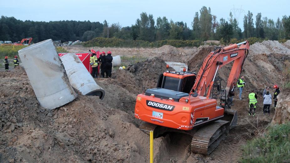 Służby na miejscu tragicznego zdarzenia przy ul. Olechowskiej w Łodzi