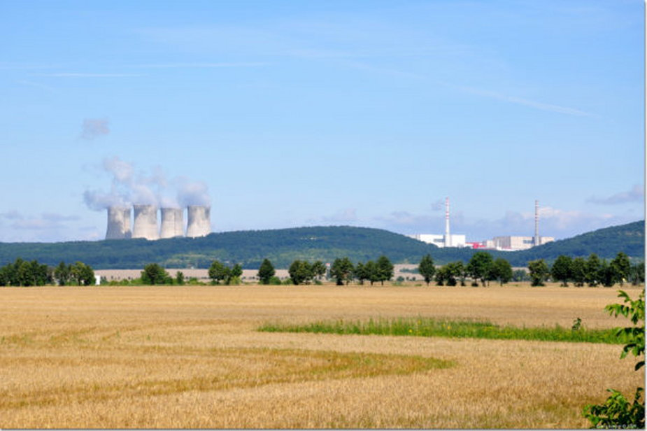 Elektrownia Mochovce na Słowacji. Źródło: Wikipedia