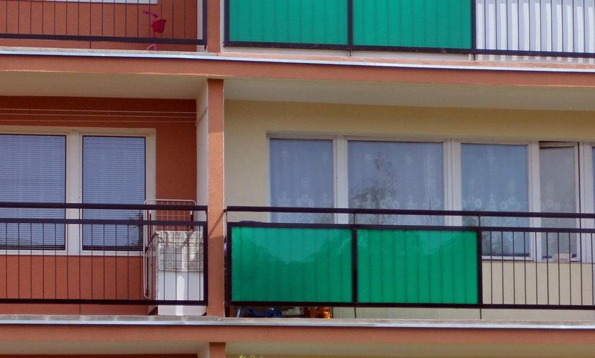 Blok w którym mieszkali oprawcy bliźniaków.