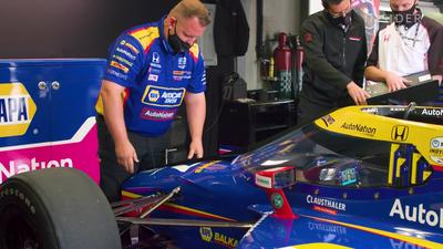 What it takes to be an IndyCar pit crew member