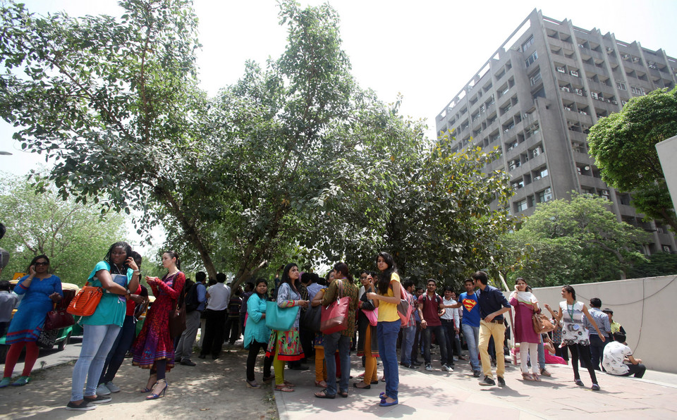 INDIA EARTHQUAKE (Earthquake tremors felt in New Delhi)