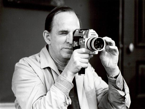 Motywy twórczości Bergmana (na zdjęciu) będą tematem poprzedzających seanse rozmów filmoznawcy Łukasza Jasiny z prof. Tadeuszem Szczepańskim, historykiem, krytykiem filmowym, tłumaczem, kulturoznawcą, profesorem PWSFTviT w Łodzi i wybitnym znawcą kina szwedzkiego.