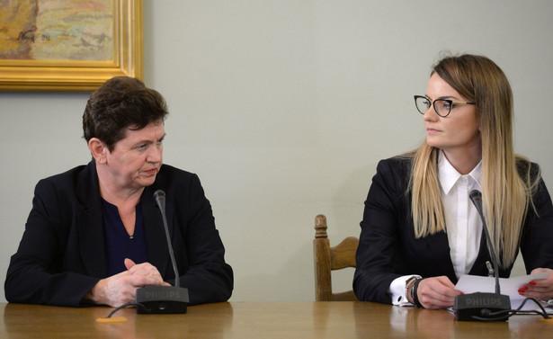 Przewodnicząca komisji zapytała świadka, co zrobiła z kwotą 1,5 mln zł, która była na jej koncie. Świadek nie odpowiedziała na to pytanie.