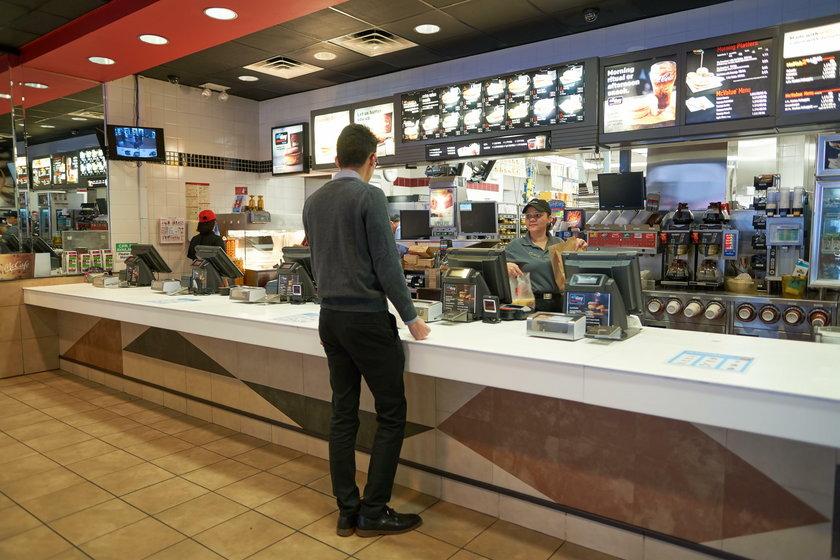 Praca w McDonald's w w Nowym Jorku - takie są stawki