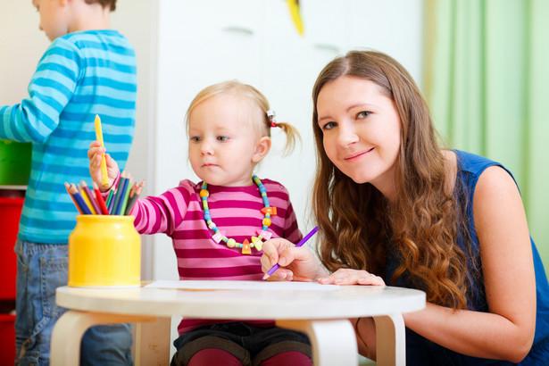 10 proc. dopłaca gmina w pierwszym roku do kosztów pobytu nieletniego w domu dziecka lub rodzinie zastępczej.