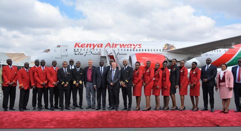 File image of Kenya Airways crew members and management