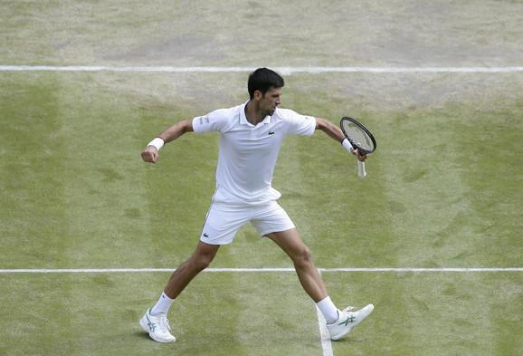 Novak Đoković slavi u polufinalu Vimbldona