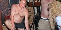 Właściciel klubu piłkarskiego zrobił... striptiz. FOTO