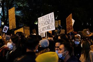 Kolejny dzień protestów w stolicy po wyroku TK w sprawie aborcji