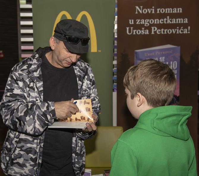 Uroš Petrović potpisuje novu knjigu