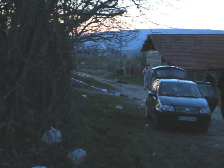 NIS10 UVIDJAJ u selu Prekonoga i telo ubijenog Miloljuba na ulici foto Branko Janackovic