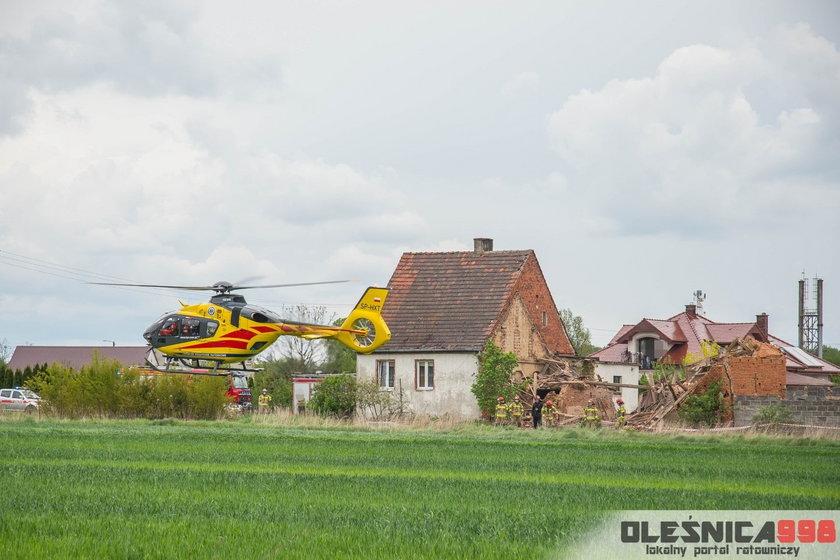 Ostrowina. Zawaliła się stodoła. 17-latek w ciężkim stanie trafił do szpitala