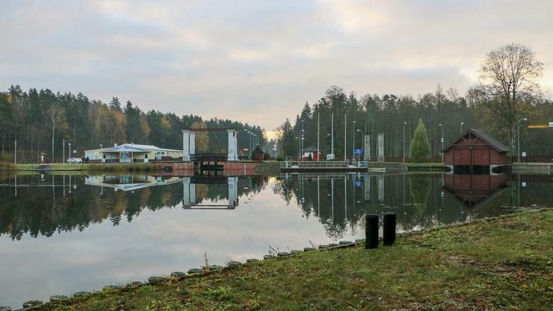 Wodne przejście graniczne na śluzie Rudawka-Lesnaja, na której rozpocznie się transgraniczny piknik