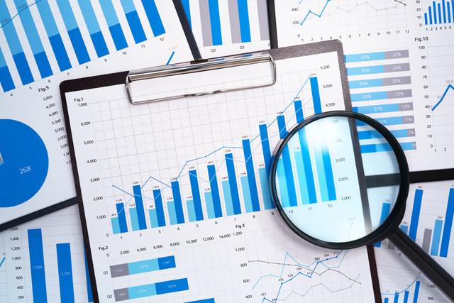 statistika, posao, grafikon shutterstock 1124867465